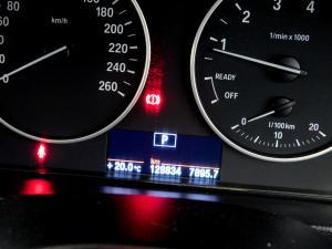 BMW 320i Luxury Line automatic - Image 23