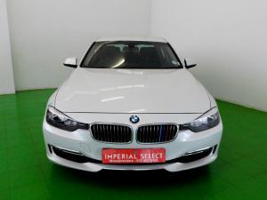 BMW 320i Luxury Line automatic - Image 2