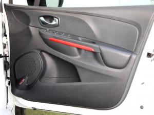 Renault Clio IV 1.6 RS 200 EDC CUP - Image 26
