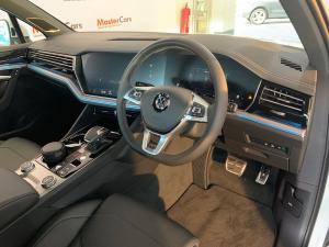 Volkswagen Touareg 3.0 TDI V6 Executive - Image 6