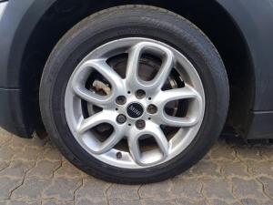 MINI Cooper 5-Door - Image 3