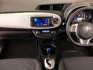 Toyota Yaris 5-door XS HSD - Image 13