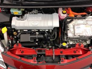 Toyota Yaris 5-door XS HSD - Image 18