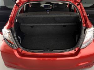 Toyota Yaris 5-door XS HSD - Image 19