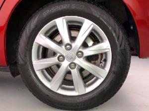 Toyota Yaris 5-door XS HSD - Image 20