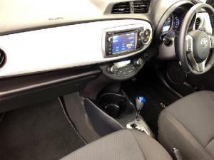 Toyota Yaris 5-door XS HSD - Image 5