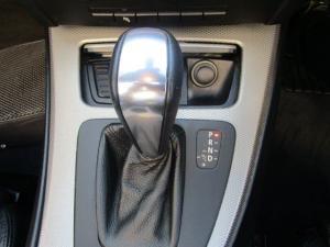 BMW 330i Convert automatic - Image 7