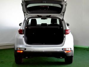 Kia Sportage 2.0 Crdi automatic - Image 10