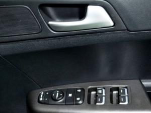 Kia Sportage 2.0 Crdi automatic - Image 24