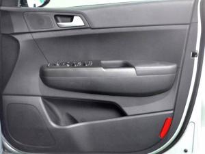 Kia Sportage 2.0 Crdi automatic - Image 25