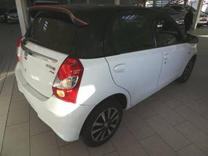 Toyota Etios hatch 1.5 Sport - Image 4