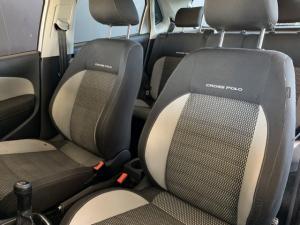 Volkswagen Cross Polo 1.6TDI Comfortline - Image 12