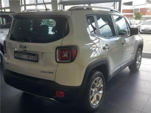 Jeep Renegade 1.4L T 4x4 Limited - Image 6