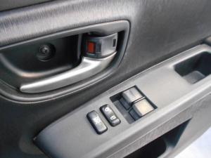 Toyota Yaris 1.3 auto - Image 10