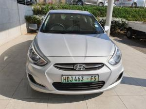 Hyundai Accent 1.6 GL - Image 13