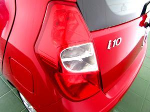 Hyundai i10 1.1 GLS/MOTION - Image 10