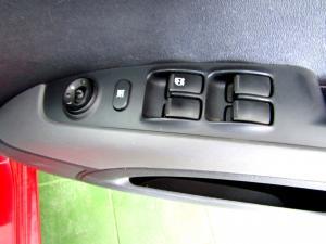 Hyundai i10 1.1 GLS/MOTION - Image 11