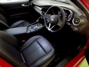 Alfa Romeo Giulia 2.0T - Image 13