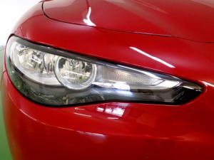 Alfa Romeo Giulia 2.0T - Image 16