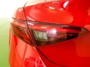 Alfa Romeo Giulia 2.0T - Image 18