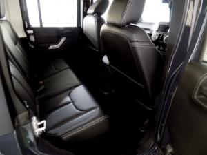 Jeep Wrangler Unltd Rubicon 3.6L V6 automatic - Image 12