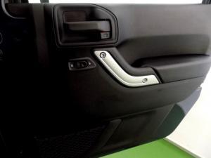 Jeep Wrangler Unltd Rubicon 3.6L V6 automatic - Image 18