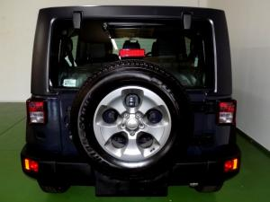 Jeep Wrangler Unltd Rubicon 3.6L V6 automatic - Image 4