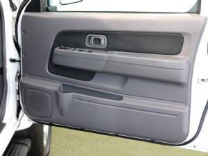 Nissan Hardbody NP300 2.4i HI-RIDERD/C - Image 23