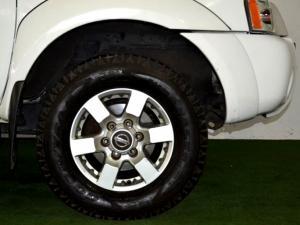 Nissan Hardbody NP300 2.4i HI-RIDERD/C - Image 8