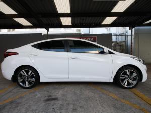 Hyundai Elantra 1.6 Premium - Image 2