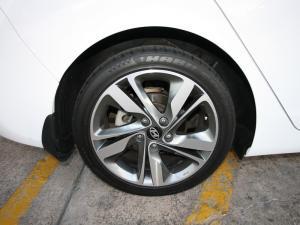 Hyundai Elantra 1.6 Premium - Image 6