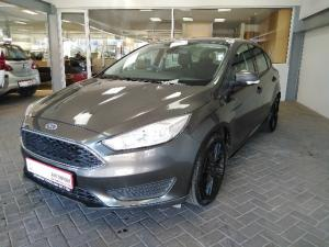 Ford Focus hatch 1.0T Ambiente - Image 1