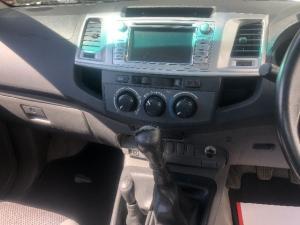 Toyota Hilux 3.0D-4D Xtra cab 4x4 Raider - Image 7