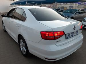 Volkswagen Jetta GP 1.2 TSi Trendline - Image 11