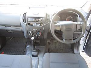 Isuzu D-MAX 250C Fleetside S/C - Image 10