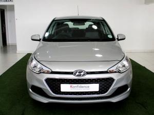 Hyundai i20 1.4 Motion automatic - Image 2