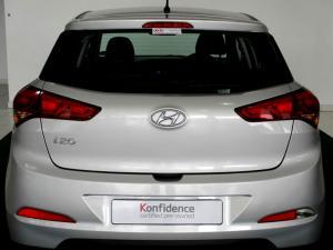 Hyundai i20 1.4 Motion automatic - Image 5