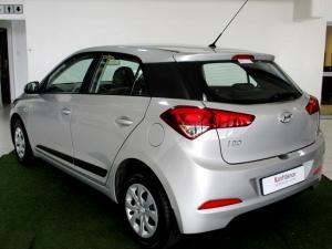 Hyundai i20 1.4 Motion automatic - Image 8