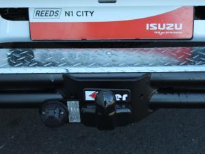 Isuzu D-MAX 250C Fleetside S/C - Image 4