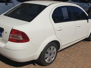 Ford Ikon 1.6 Ambiente - Image 3