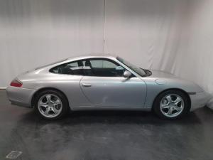 Porsche 911 Carrera 4 - Image 2