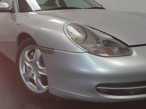 Porsche 911 Carrera 4 - Image 8