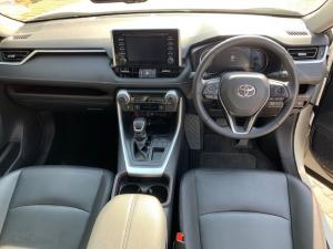 Toyota RAV4 2.0 VX - Image 9