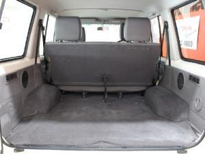 Toyota Land Cruiser 76 Land Cruiser 76 4.5D-4D LX V8 station wagon - Image 13