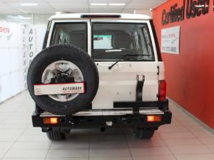Toyota Land Cruiser 76 Land Cruiser 76 4.5D-4D LX V8 station wagon - Image 6