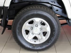 Toyota Land Cruiser 76 Land Cruiser 76 4.5D-4D LX V8 station wagon - Image 7