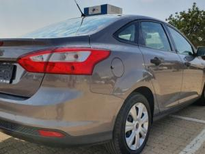 Ford Focus 1.6 Ti VCT Ambiente 5-Door - Image 4