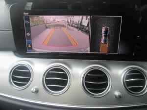 Mercedes-Benz E 220d - Image 12