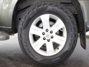 Nissan Pathfinder 4.0 V6 automatic - Image 9