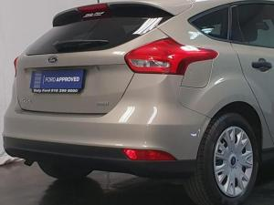 Ford Focus hatch 1.0T Ambiente - Image 8